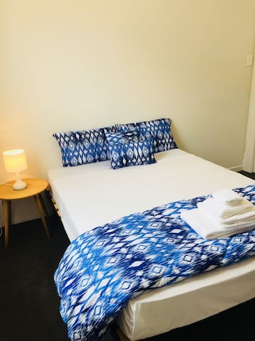 Private Room in Parnell - easy walk to CBD
