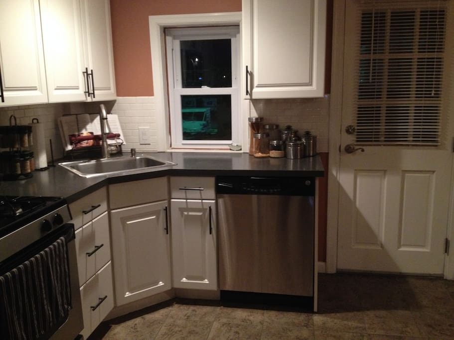 Full Kitchen available for use.