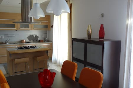 SUNRISE APARTMENT VENICE (80 sq.m.) Free Parking - Velence - Lakás