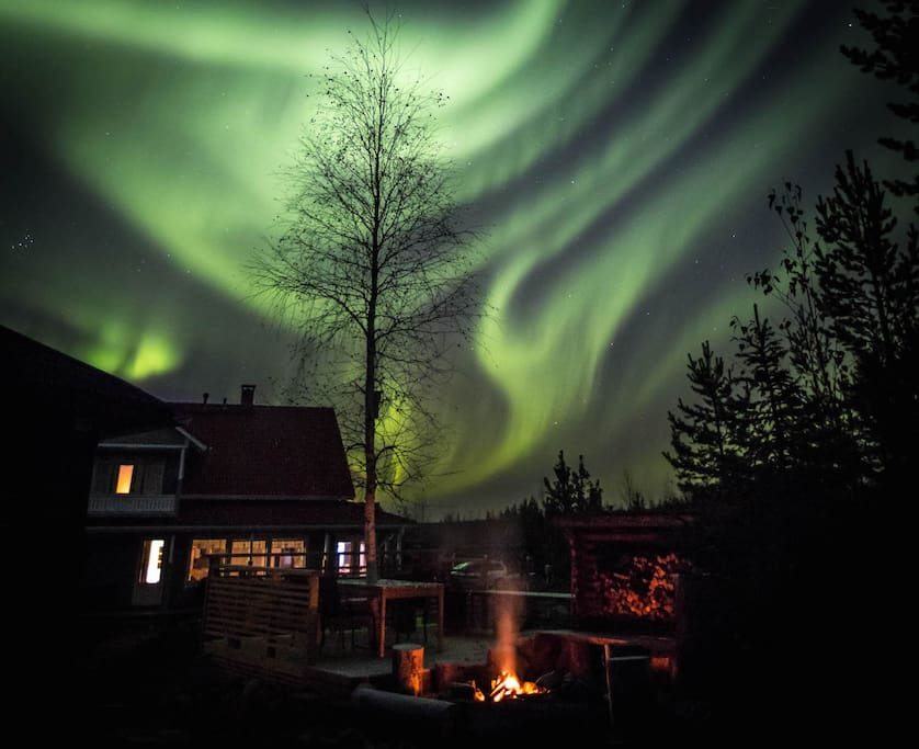 if there are northern lights in the sky, you can best see them here outside the city