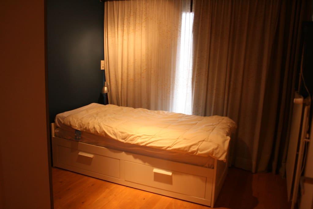 Enkel bed - uittrekbaar tot dubbel bed