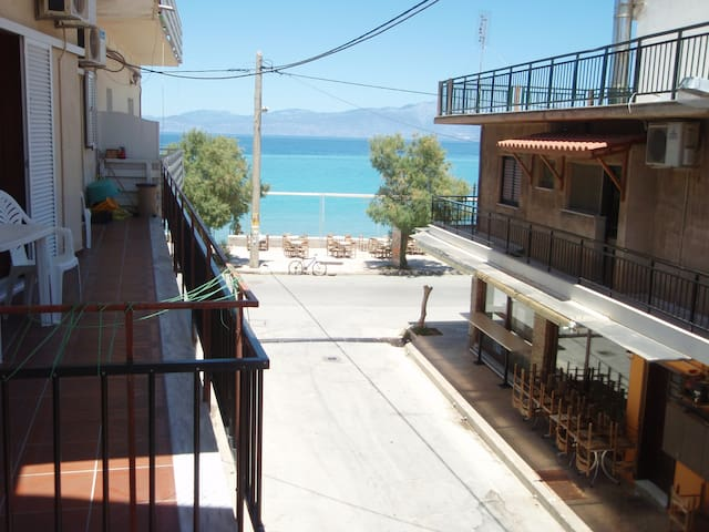 Beach seaview apartment Peloponese - Xylokastro - อพาร์ทเมนท์