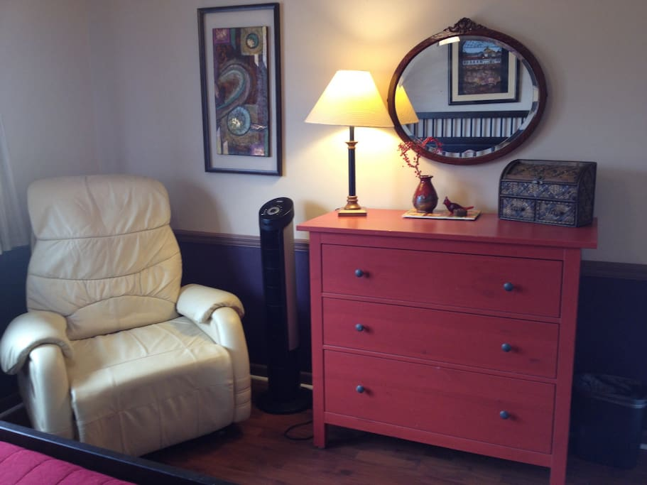 Dresser and closet are empty, you can unpack!Coffee/tea area also in room, sit and relax.