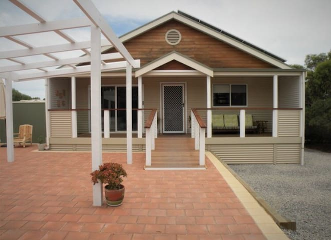 Aldinga Bay Bungalow Retreat - Sellicks Beach - Μπανγκαλόου