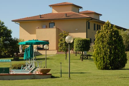 One bedroom apartmetn with view @ Agr. Colleverde - Terricciola - Apartment