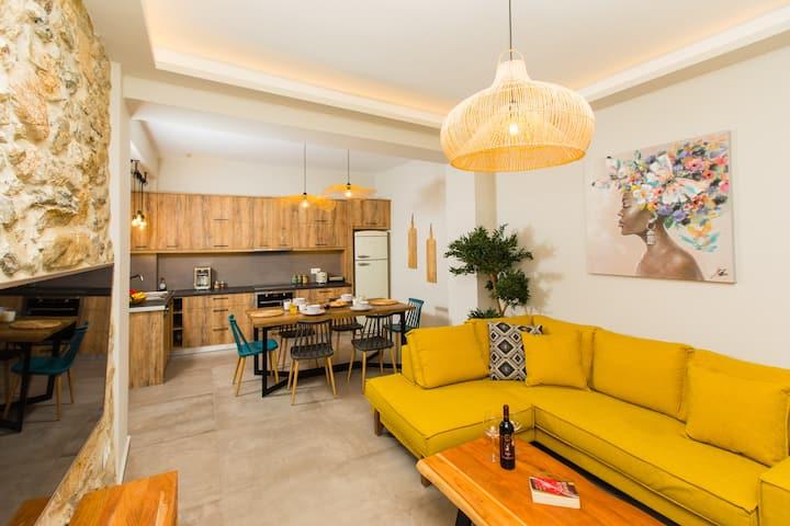 Ekaterini Luxury House