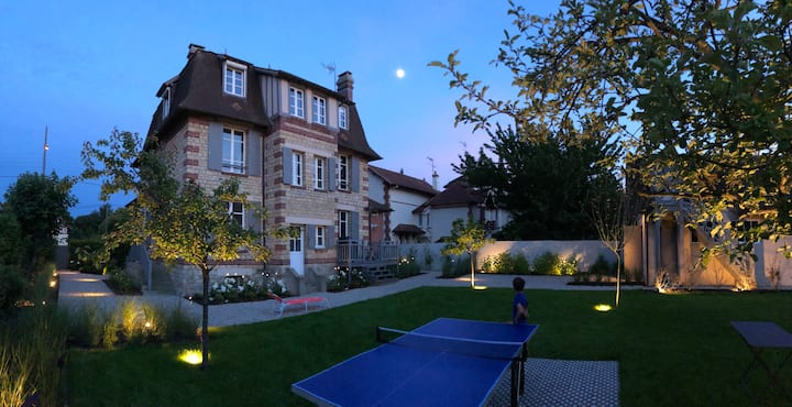 Villa with landscaped garden close to Deauville