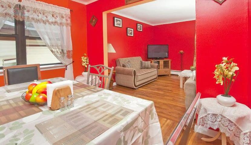 Cozy Renovated Apartment 15 Min to Times Square - Union City - Appartement