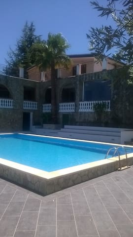 Stanze in Villa con Piscina - Province of Palermo - Bed & Breakfast