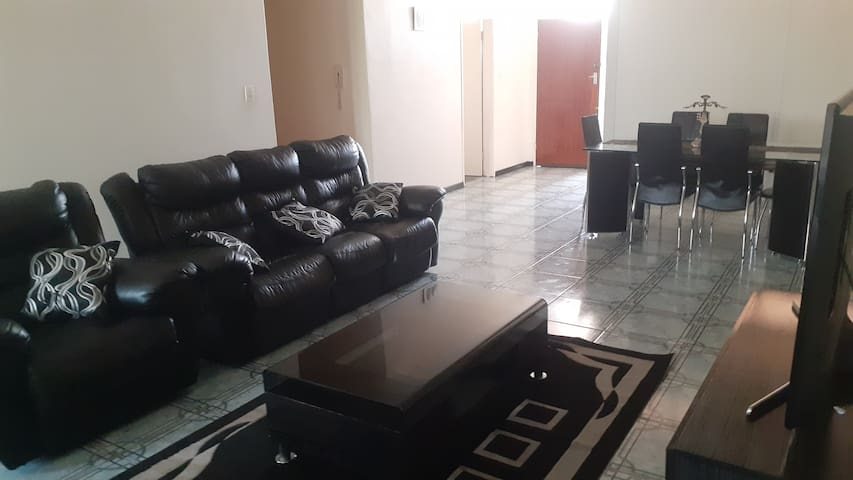 Spacious Executive Apartment near Bulawayo CBD