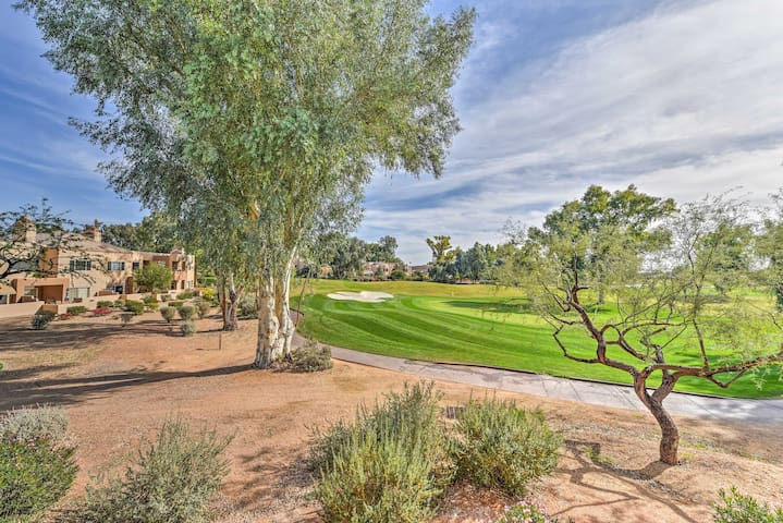 Scottsdale Condo w/Mountain Views - On Golf Course