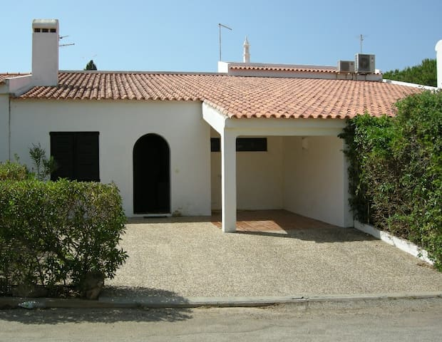 Moradia em Banda / Townhouse