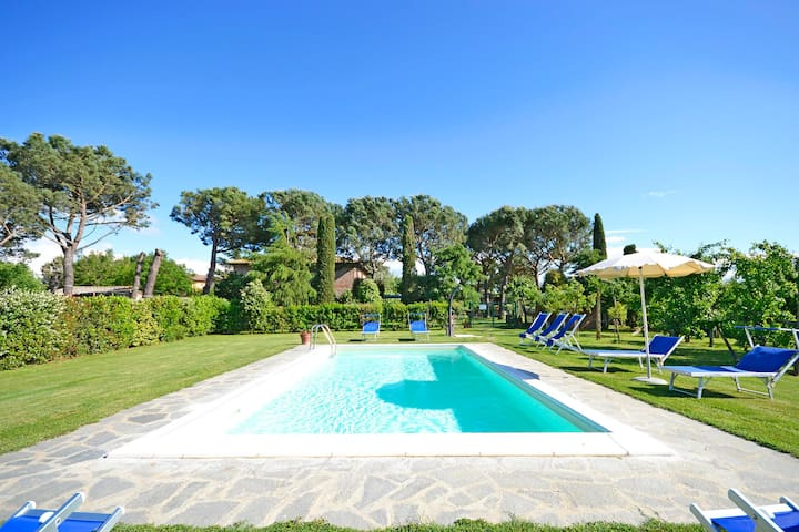 Casa i Pini for 9 persons with garden and pool - Cortona - House