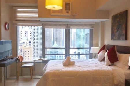 A comfy cozy nest in the heart of Eastwood City