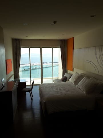 Studio for rent @ White Sand Beach Na-Jomtien
