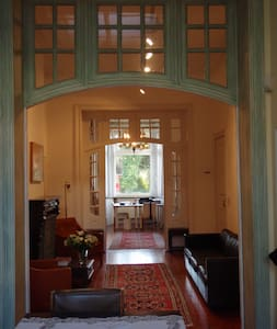 B&B Mineta Art House - Ixelles - Bed & Breakfast