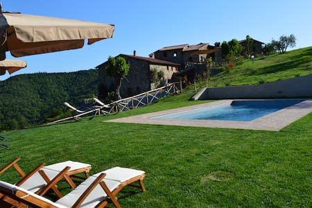 Villa Podere Terrena with private pool. - Gaiole In Chianti - วิลล่า