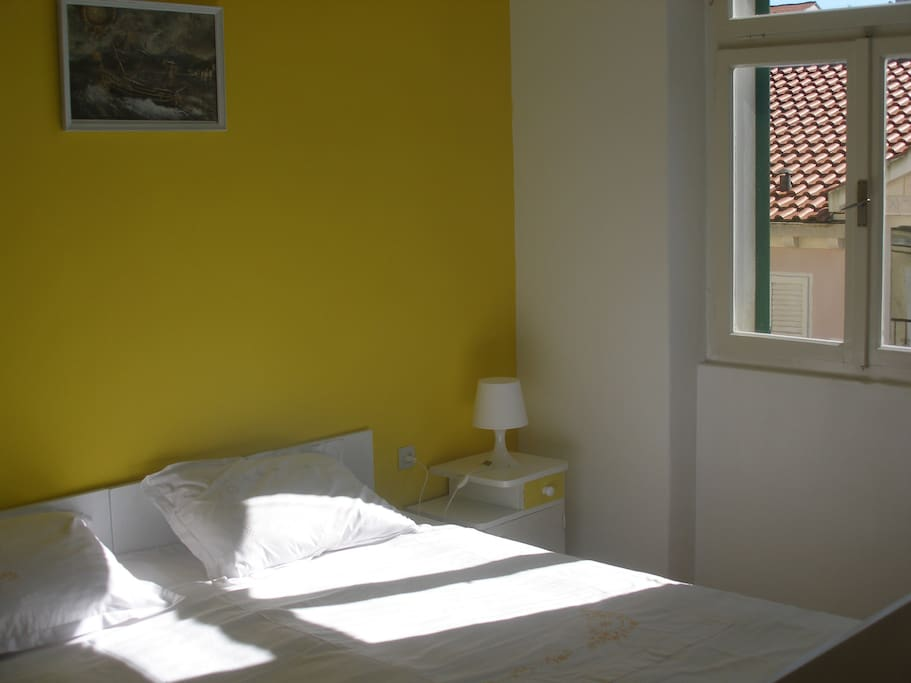 Yellow Room #7