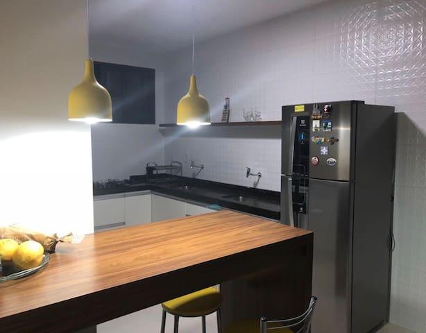 Cozinha moderna e completa