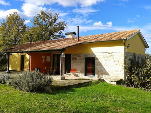 EcoLodge Casa do Carvalho - เอสพินโฮ - บ้าน