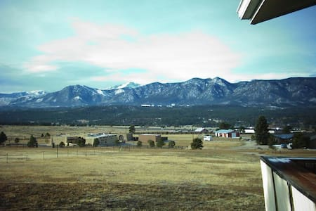 Quiet Cozy Home, Beautiful Views  - Colorado Springs - Talo