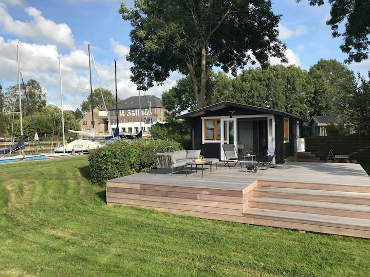 Heerlijk design vakantiehuisje met groot terras