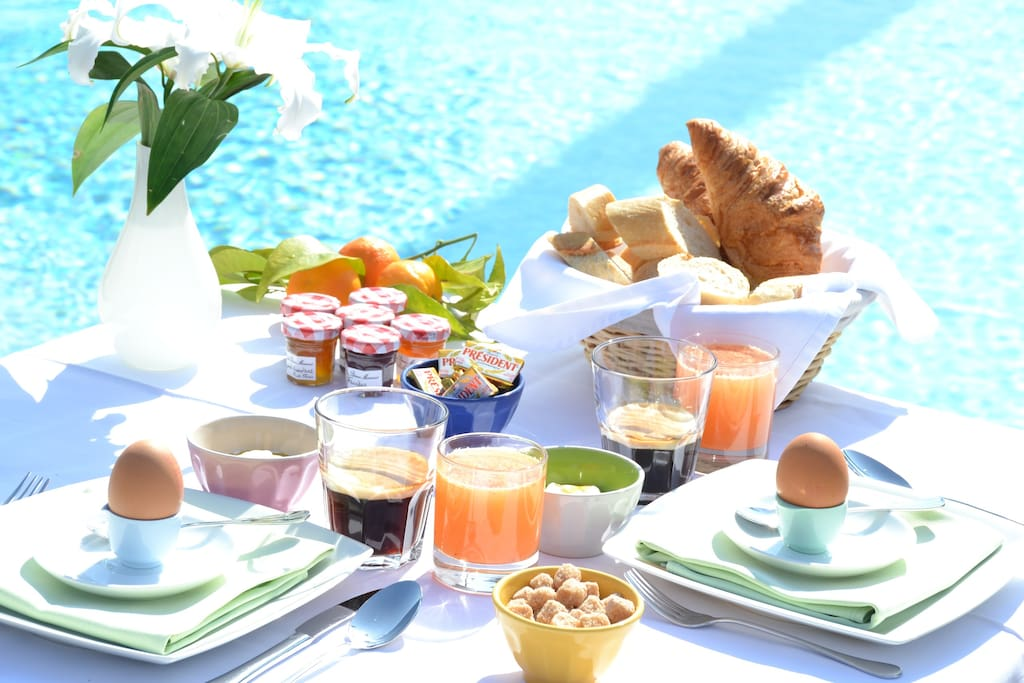 We love to start the day with breakfast by the pool