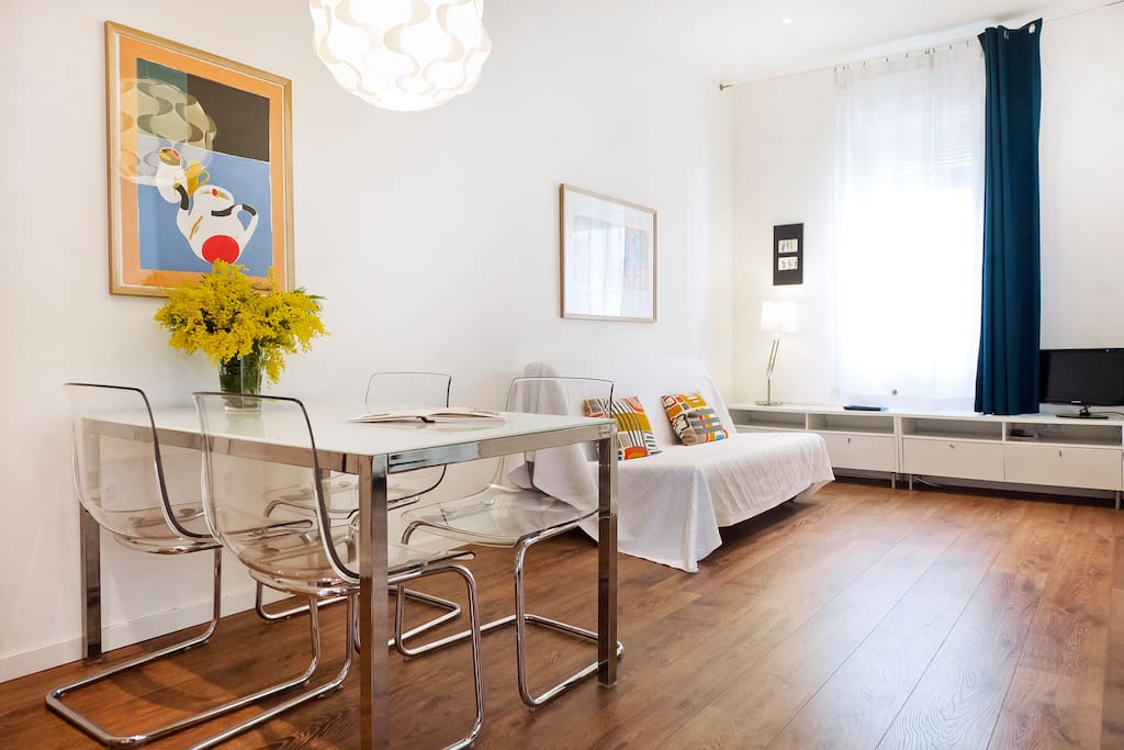 Centrale tranquillo con terrazza appartamenti in for Appartamenti barcellona affitto annuale