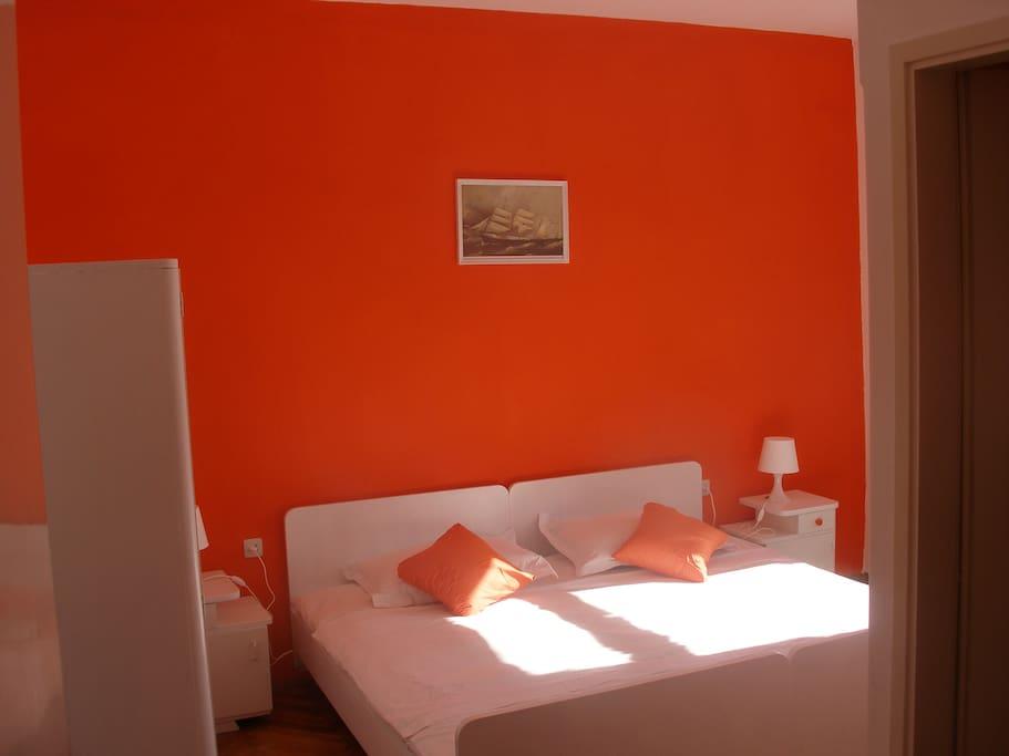 Orange Room #9