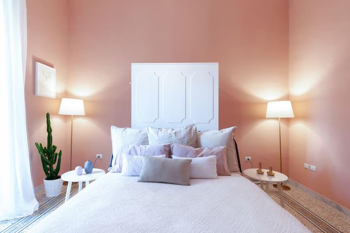 - The master bedroom * Chez Mamie 2 * managed by #starhost - La camera da letto matrimoniale* Chez Mamie 2 * gestito da #starhost #uniquehomesperfectstay #starhoststay