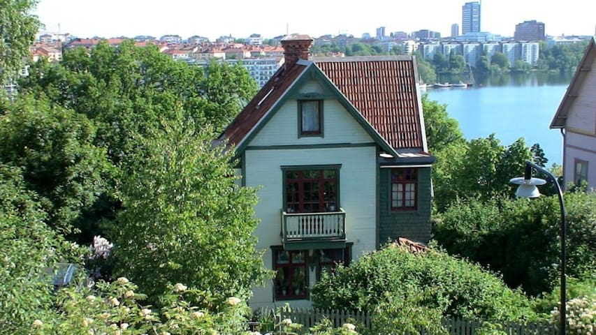 Romantic house with garden, central - Sztokholm - Dom