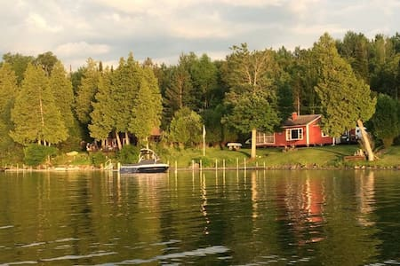 Summer camp w/ 3 bedrooms on Lake Seymour, Vermont