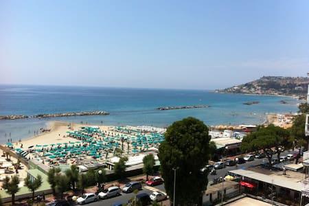 Fabulous View on Mediterranean! - Arma di Taggia - อพาร์ทเมนท์