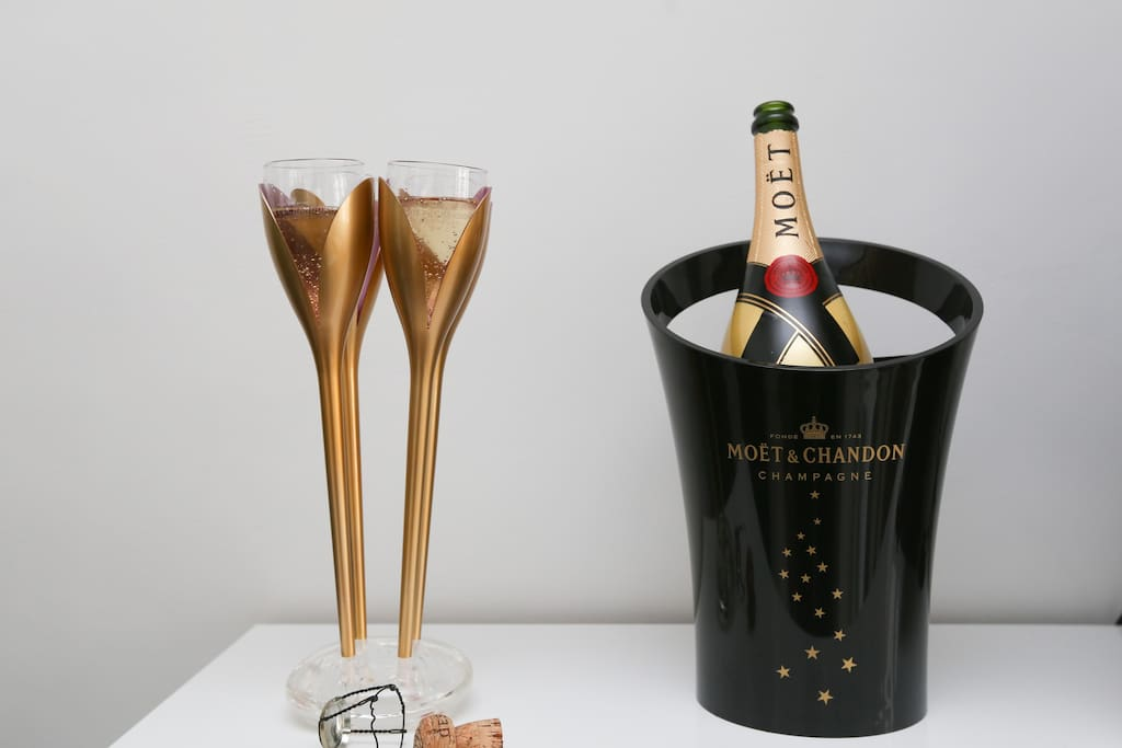 Welcome Moët & Chandon champagne for a booking of 3 or more nights