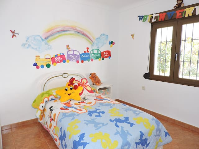 CASA RURAL CON ENCANTO, PISCINA E HIDROMASAGE - Andújar - House