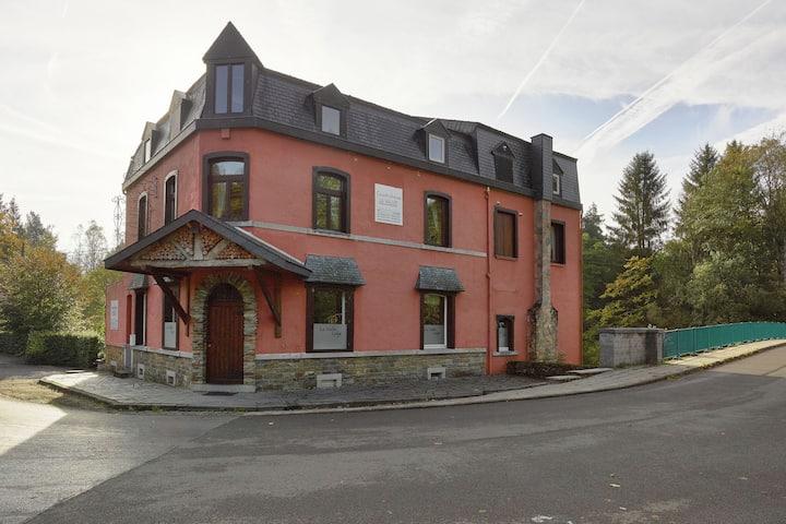 Villa ancienne avec sauna à Stoumont