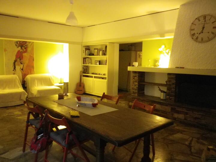 Spacious studio in the heart of Kifissia suburbs