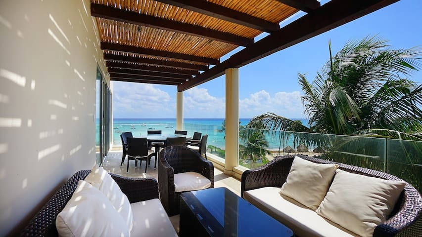The only Beach Front 4 bedroom PH at Elements