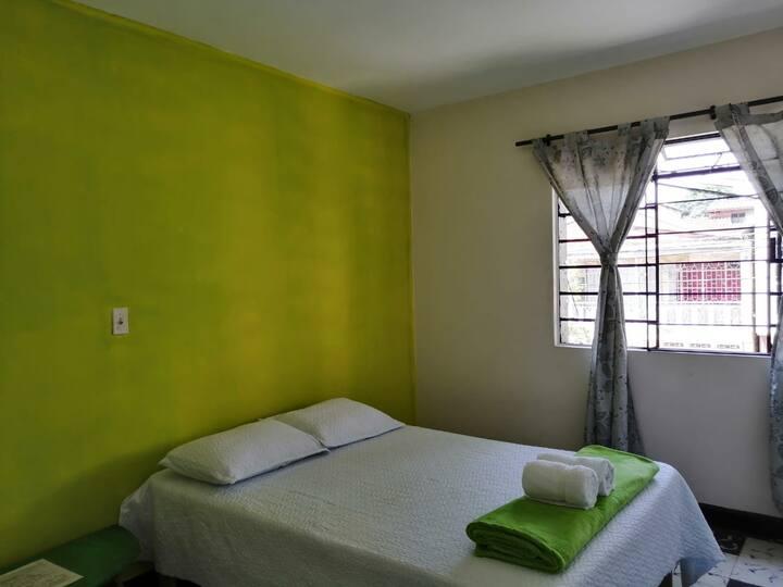 Habitación privada con baño compartido Iguana