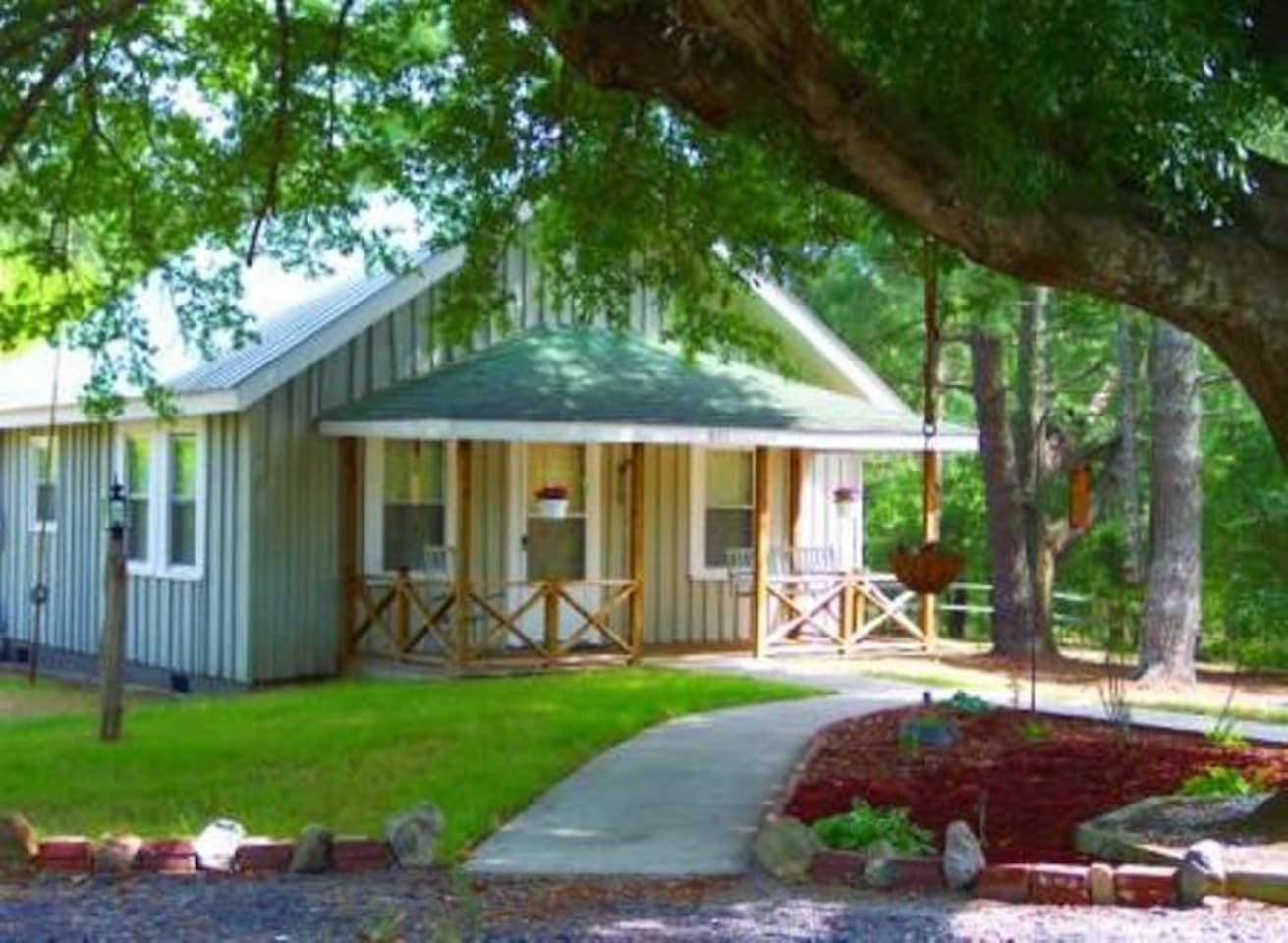 Juniper Pines Cottage front view