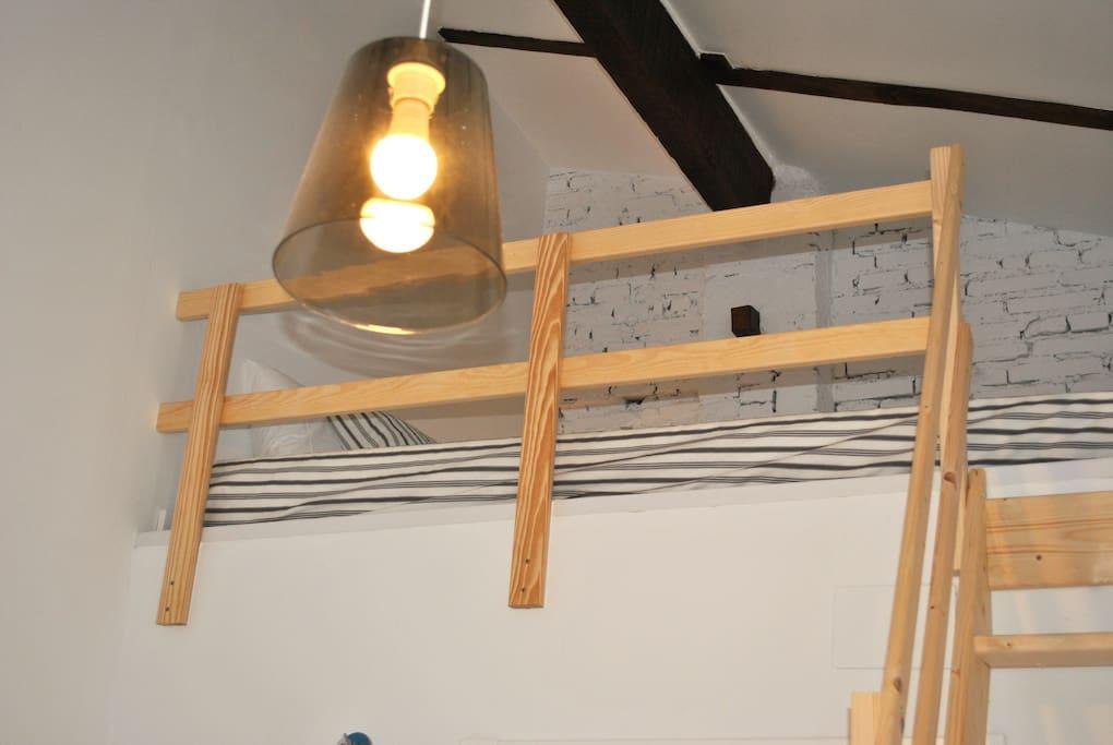 cama del altillo para 2 personas