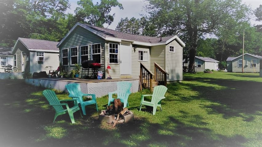 2 Bedroom Cottage near Gun Lake
