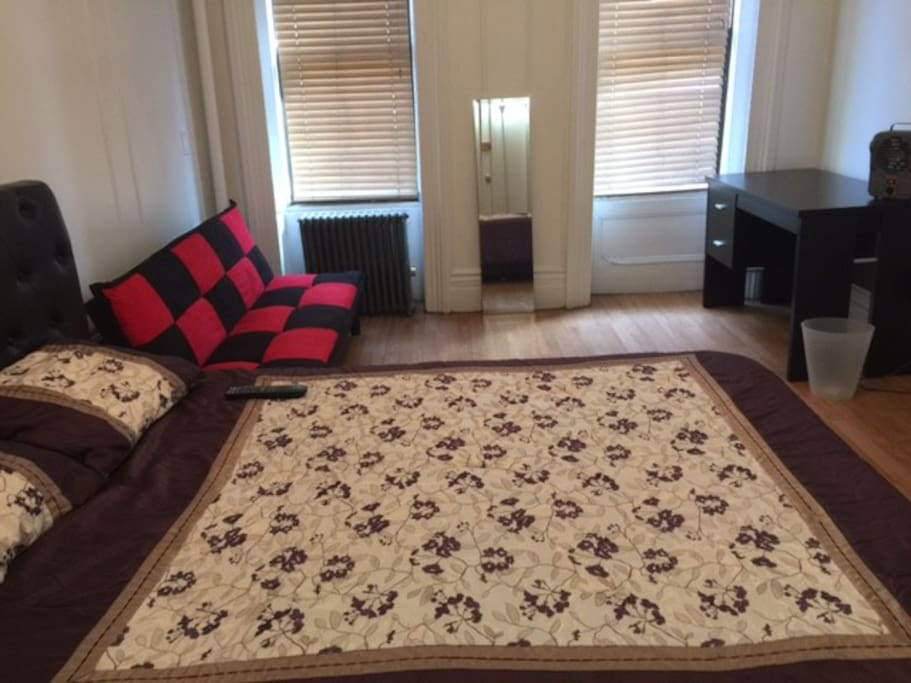 Lovely large room with private bathroom apartments for rent in new york new york united states for Rooms for rent in nyc with private bathroom