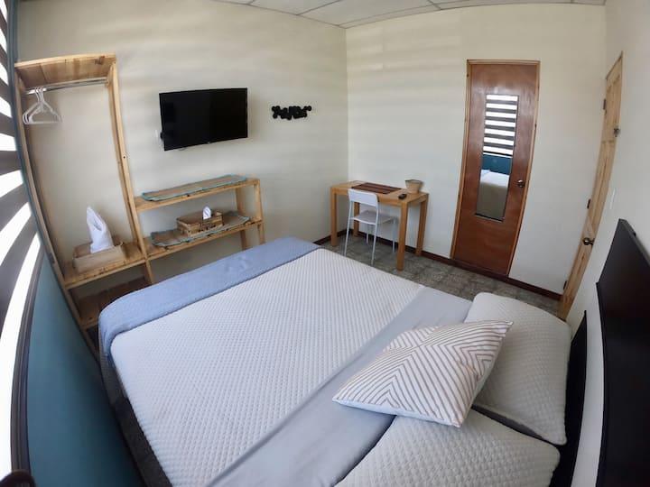 Linda habitación con baño privado - Hab. Canario