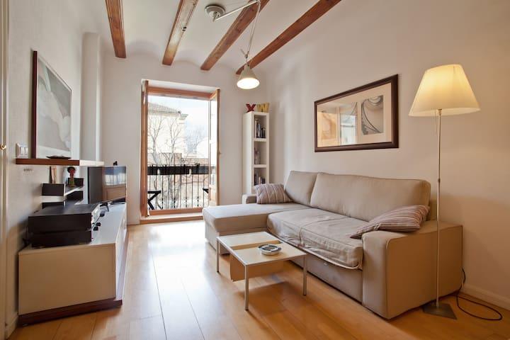 Quiet Apartment in Historic Centre