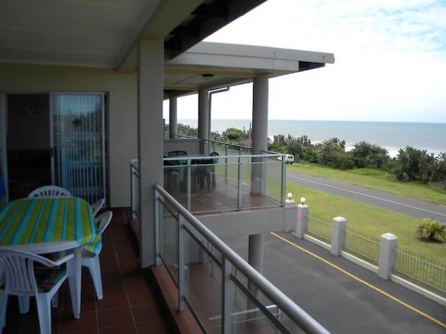 Casa Uvongo Holiday Accommodation