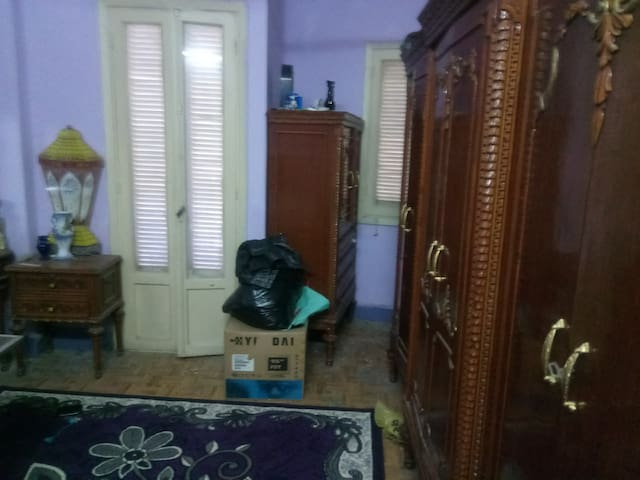Manial - Cairo , great location!  Females Only