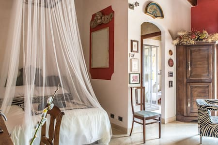 Rozensuite secluded near Lake Garda - - Volta Mantovana - House - 1
