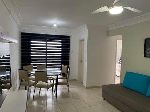 Apartamento à 3 minutos da Praia do Tombo Guarujá