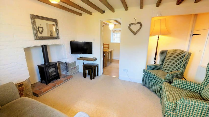 South Downs Cottage - Grade II listed hideaway
